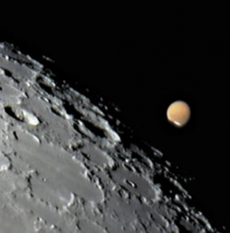 Mars sneaking behind the moon
